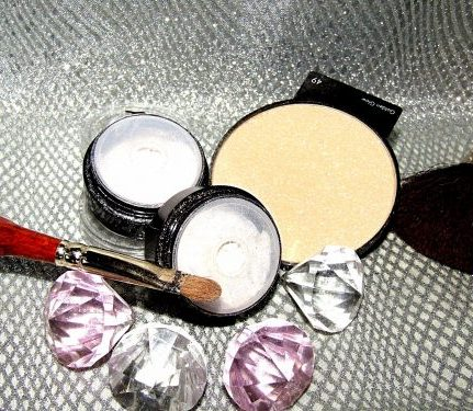 Arabesque Golden Glow powder